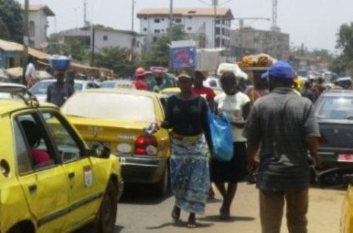 Article : Vendre dans les interminables embouteillages de Conakry